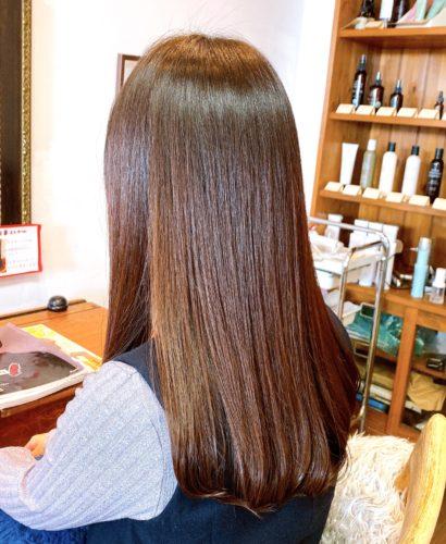 髪質改善ストレートのお客様施術後のお写真